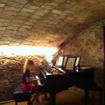 Emma al piano