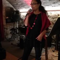 Tere Fernandez canta «Rialla»