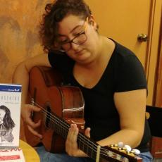 Lidia Uve canta «Rehén»